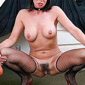 Older in nylons takes semen in mouth.